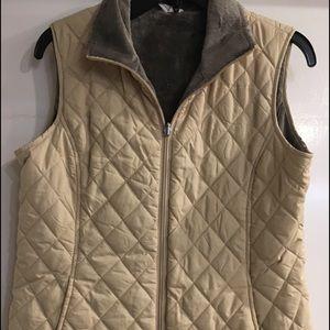 Cream colored vest w fleece lining